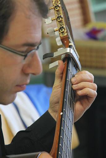 שיעור גיטרה קלאסית עם עודד שוב